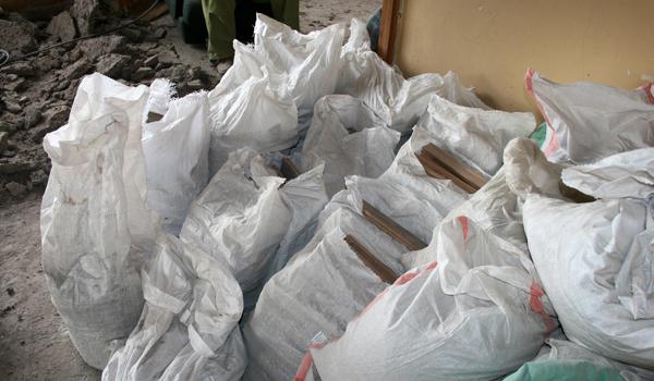 Изхвърляне на строителни материали
