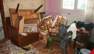 Изхвърляне на отпадъци и стари мебели