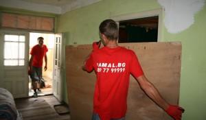 Почистване на стари мебели от жилище