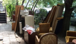 Изхвърляне на мебели от апартамент