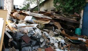 Изхвърляне на боклуци