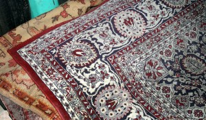 Изхвърляне на стар килим
