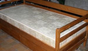 Изхвърляне на легла и матраци