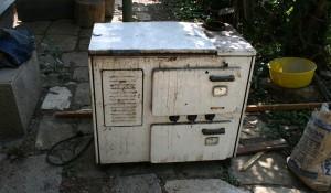 Изхвърляне на стари електроуреди и бяла техника