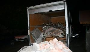 Транспорт за изхвърляне на боклуци и мебели