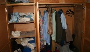 Изхвърляне на стари дрехи