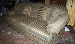 Изхвърляне и изнасяне на диван