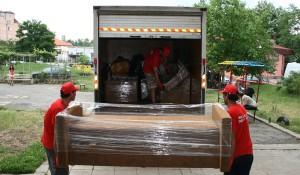 Извозване на строителни отпадъци с камиони и бусове