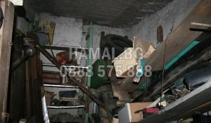 Почистване на мазе от битови отпадъци