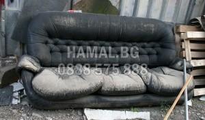 Изнасяне на стар диван и легла