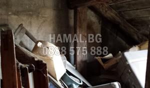 Изхвърля и извозва отпадъци от таван