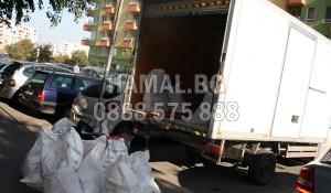 Камион за извозване на боклук в София