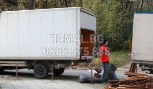 Хамали за извозване на отпадъци в София